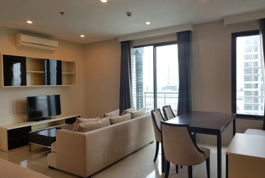 Villa-Asoke-2-bedroom-rental-mid-floor-living-area