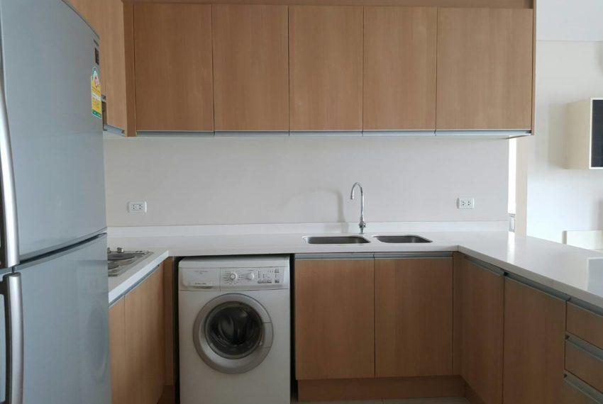 Villa-Asoke-2-bedroom-rental-mid-floor-washing-machine