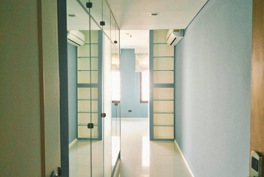 Villa Asoke 2bedroom sale - corridor