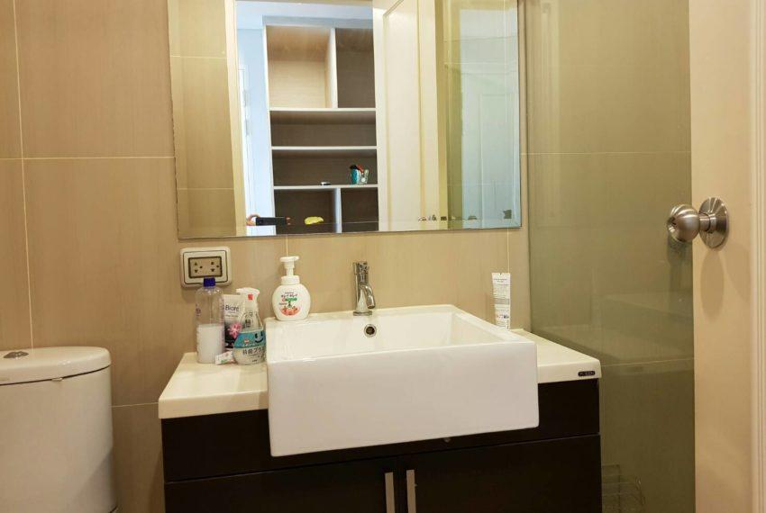 Villa-Asoke-Rent-1-bedroom-low-floor-bathroom