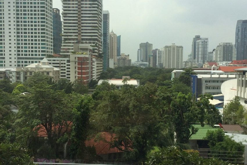 Villa Asoke duplex 1 bedroom sale low floor - south city view