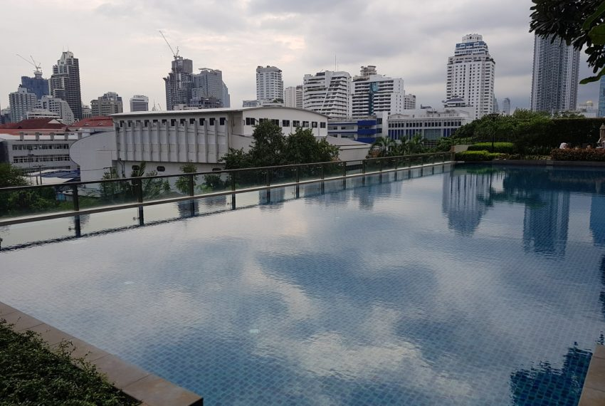 Villa Asoke - swimming pool evening