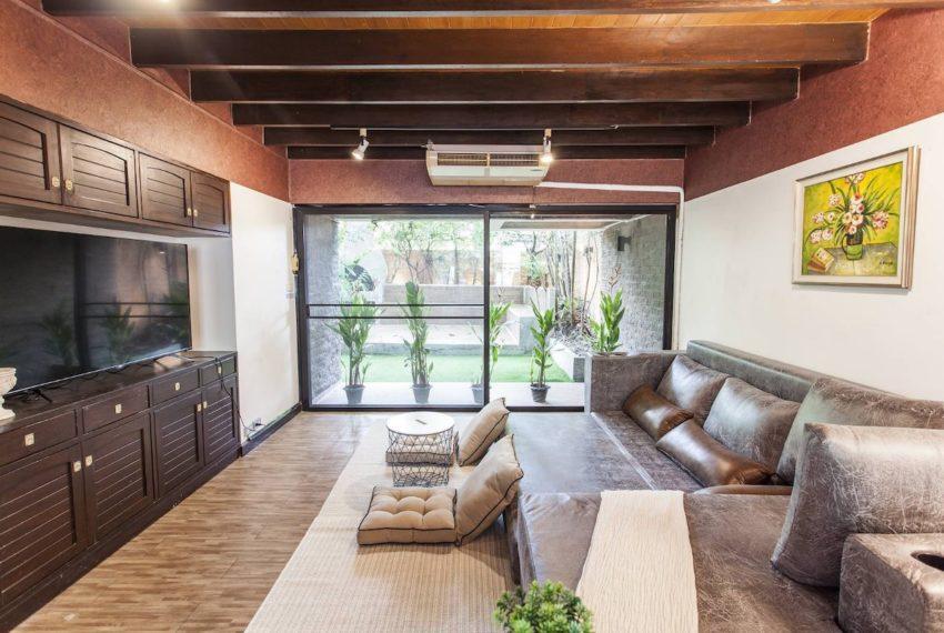 Villahouse_Livingroom2_Rent.jpg