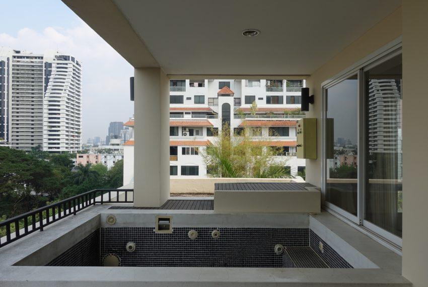Viscaya Private Residences-3-bedroom-rent-jacuzzi-balcony