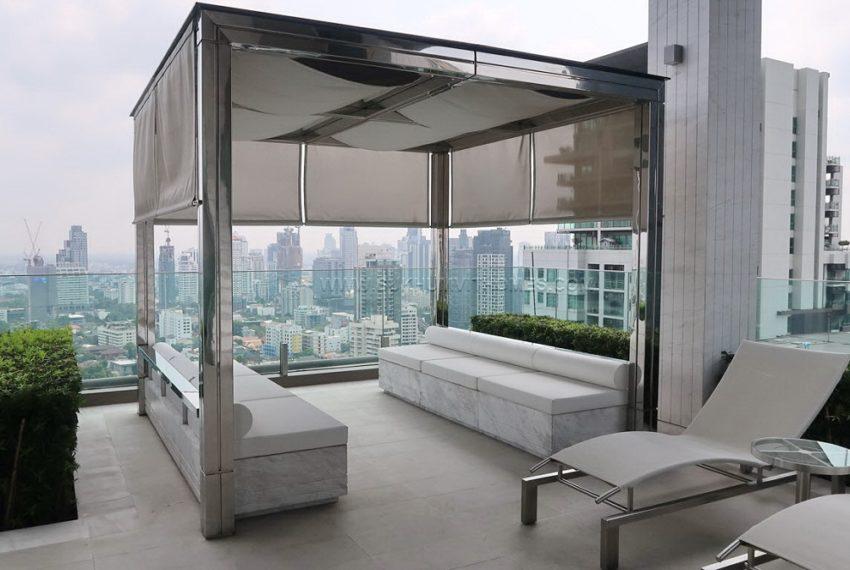 Vittorio 39 condominium in Phrom Phong - rooftop