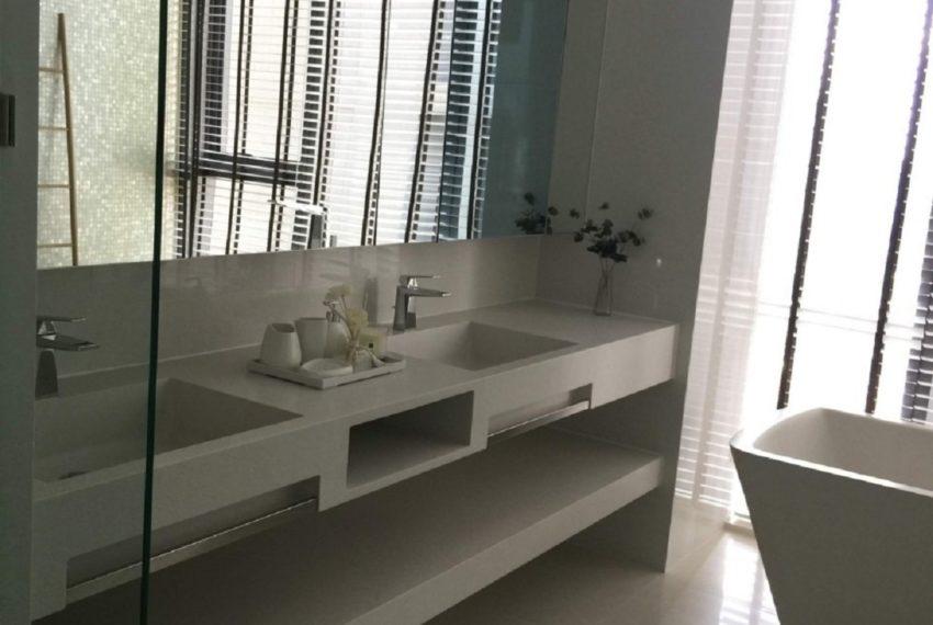 Vittorio Sukhumvit 39-bathroom-sale_rent