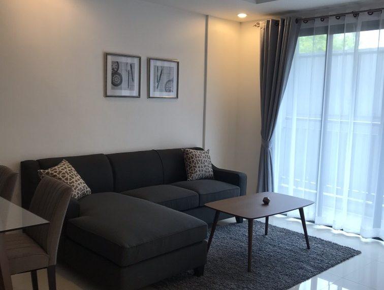 Voque Sukhumvit 31 - 2-bedroom-Sale-living