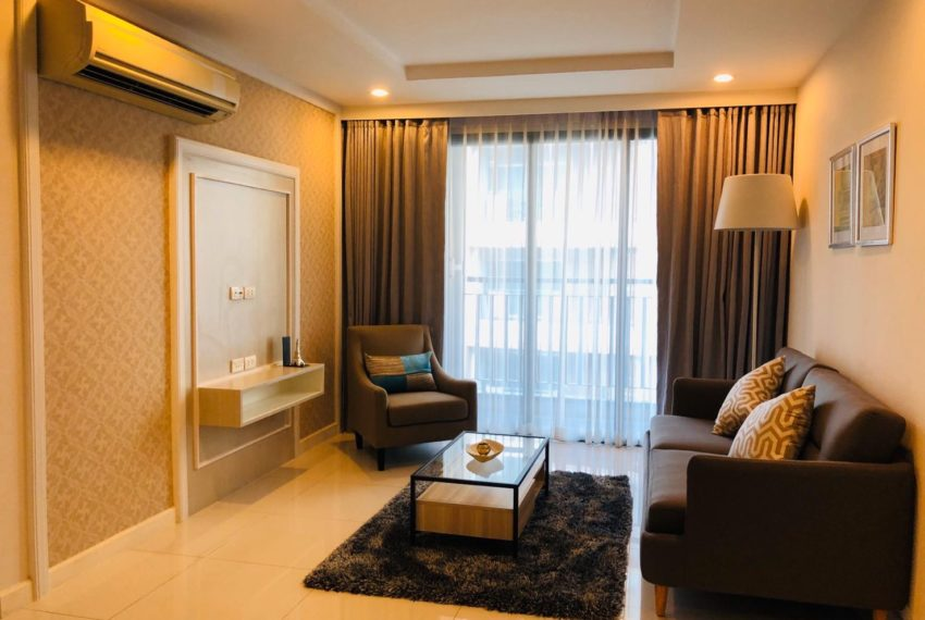 Voque Sukhumvit 31 condominium - cheapest 3 bedroom sale in Asoke - balcony