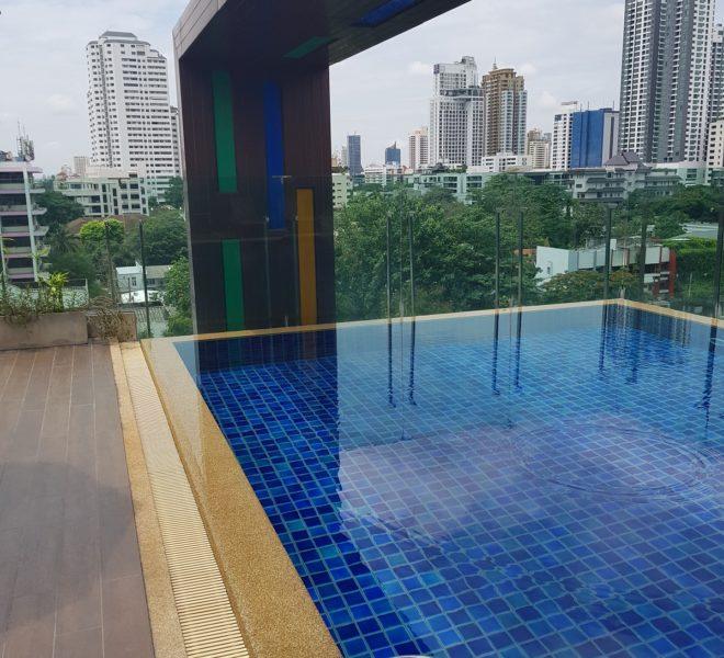 Voque Sukhumvit 31 - swimming pool