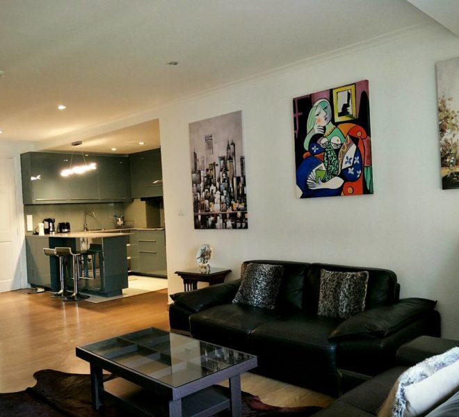 Large 2 bedroom apartment for sale in Asoke - low rise condominium - Wattana Suite