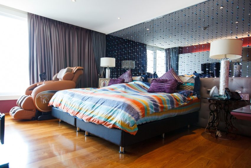 WaterMark - Chaopaya - large bedrooms