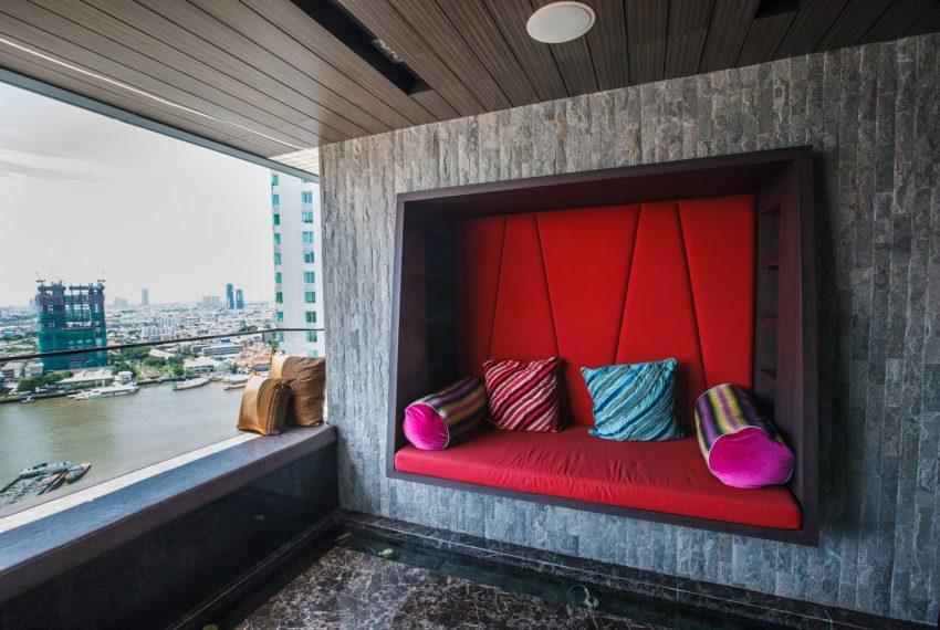 WaterMarkmark Chaopaya - balcony relax