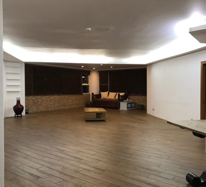 Large 3-Bedroom Condo Near BTS Thonglor for sale