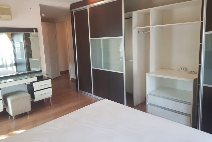 Wattana Suite 3 bedroom sale - builtin wardrope