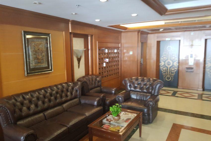 Wattana Suite Condo - lobby