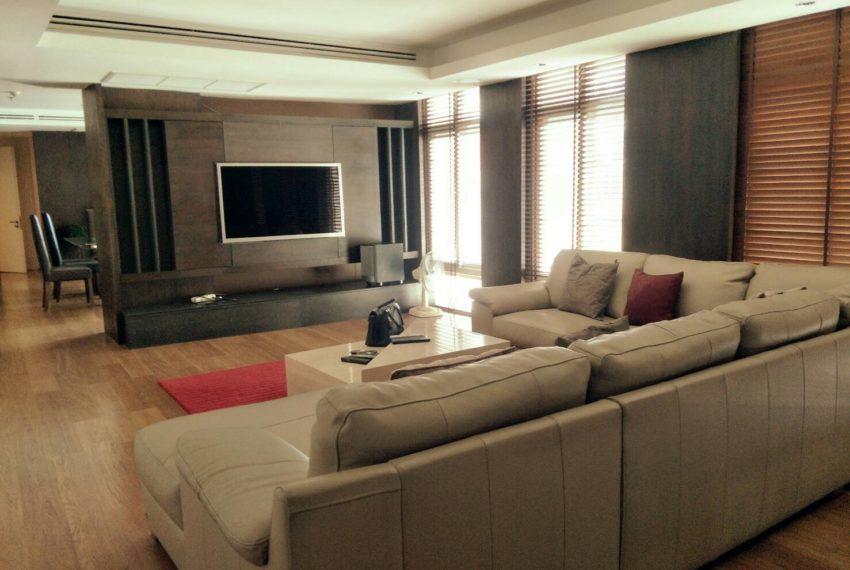 Wattana Suiteliving room1