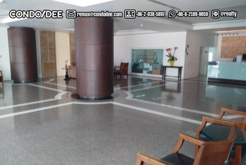 Watthana Height condominium - lobby