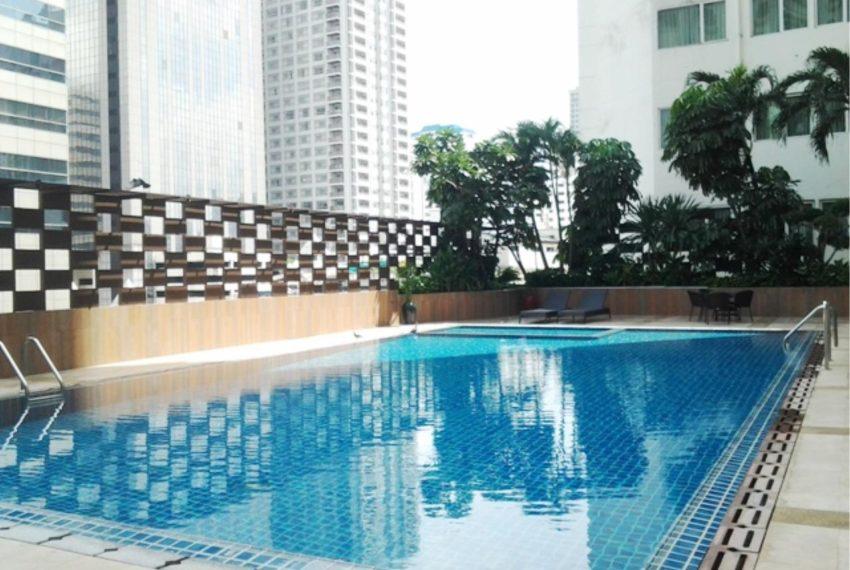 Watthana Height condominium - pool area