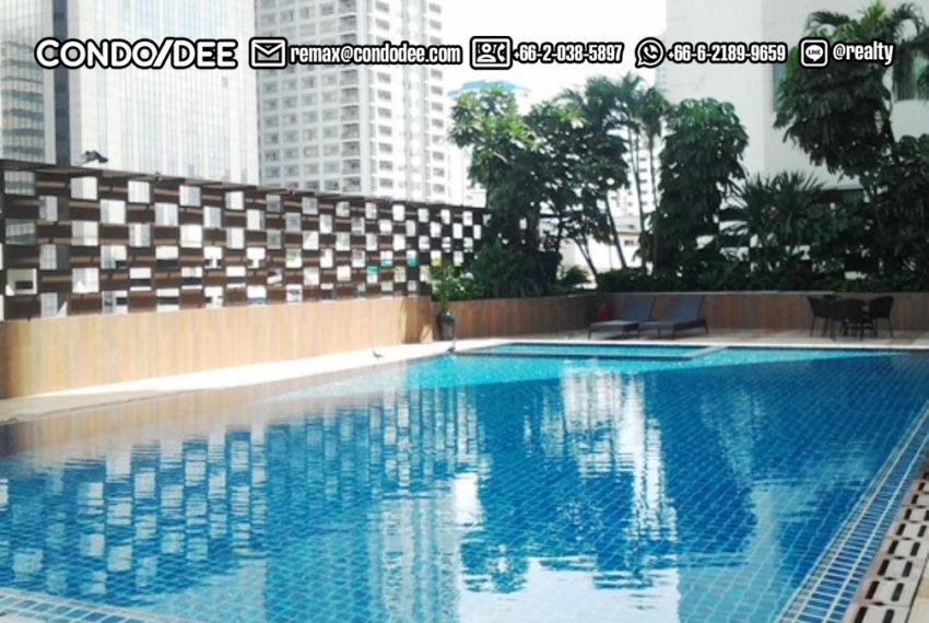 Watthana Height condominium - swimming pool