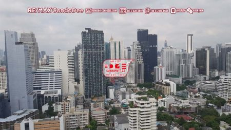 Edge Sukhumvit 23 Bangkok Condominium Near BTS Asoke and MRT Sukhumvit