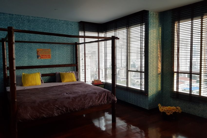 Wilshire Sukhumbit 22 2-bedrooms spacious condo sale - bedroom