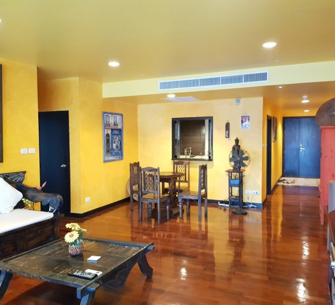 Spacious 2 Bedroom Condo Sale in Wilshire Condominium Sukhumvit 22