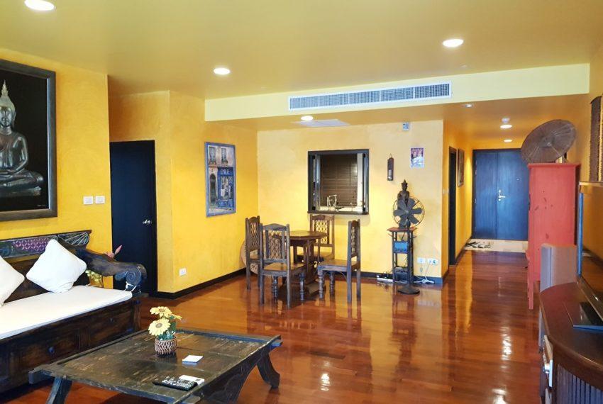 Wilshire Sukhumbit 22 2-bedrooms spacious condo sale - dinning