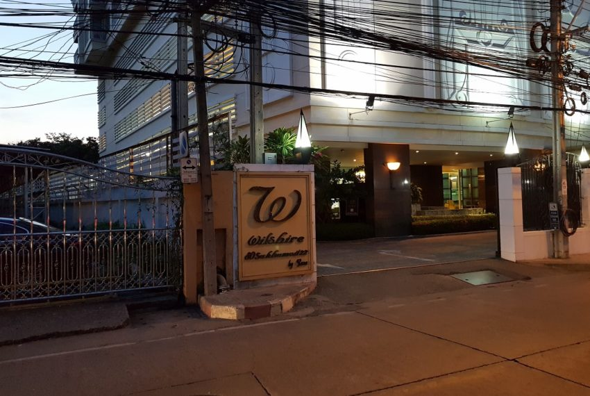 Wilshire Sukhumvit 22 Condo - entrance sign