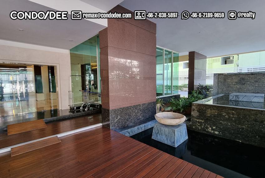 Wilshire Sukhumvit 22 Condo - facade