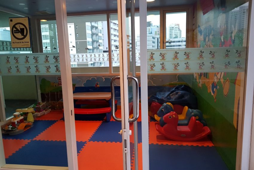 Wilshire Sukhumvit 22 Condo - kids playroom