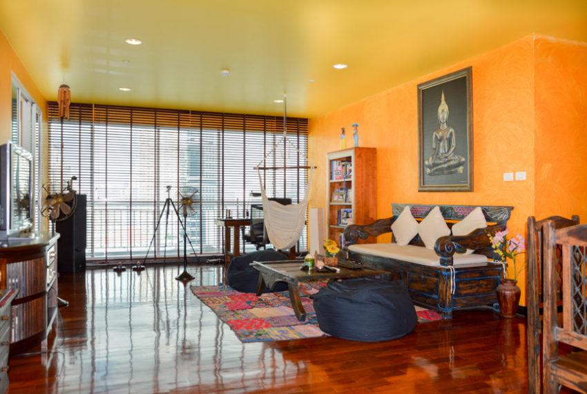 Wilshire Sukhumvit 22 Condominium - living