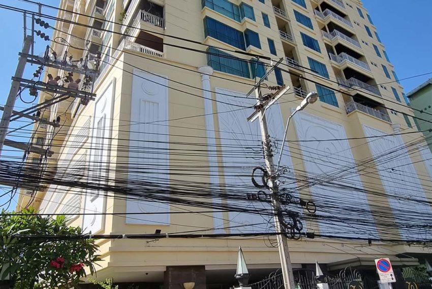 Wilshire Sukhumvit 22 Condominium - swim