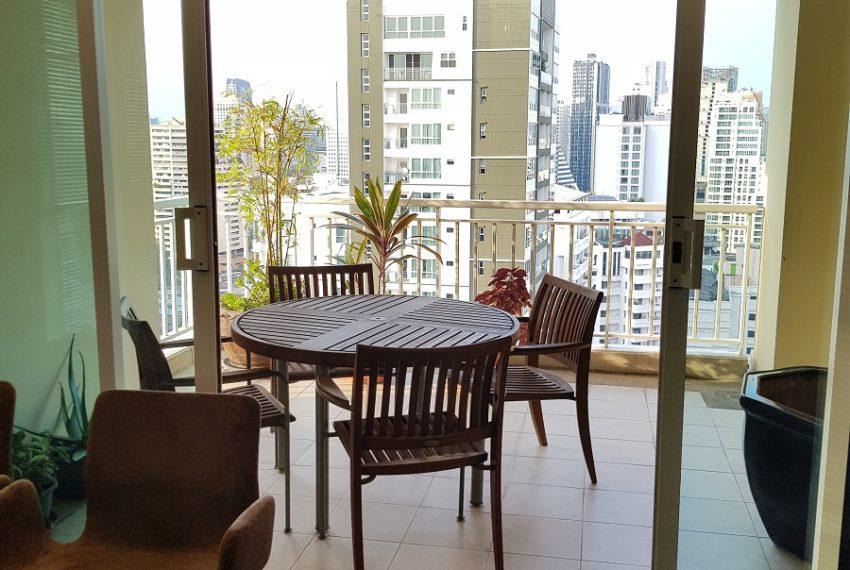 Wilshire Sukhumvit 22 Penthouse Diplex Sales - balcony 2nd floor