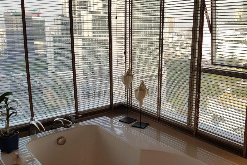 Wilshire Sukhumvit 22 Penthouse Diplex Sales - jacuzzi view