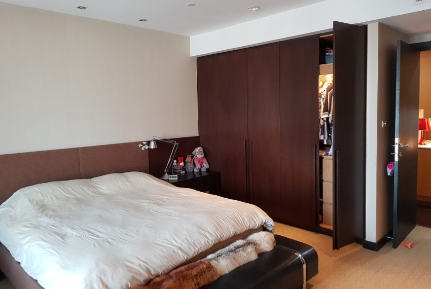 Wilshire Sukhumvit 22 Penthouse Diplex Sales - large bedroom