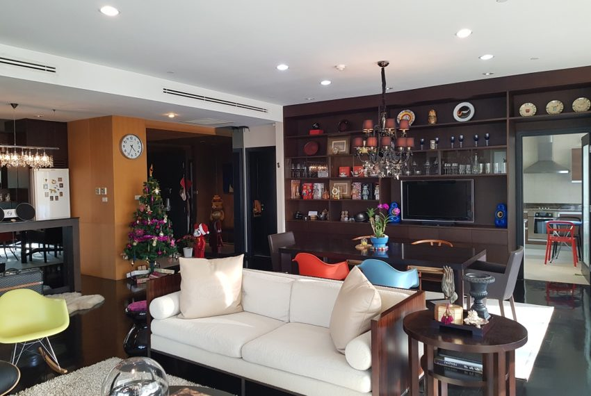 Wilshire Sukhumvit 22 Penthouse Diplex Sales - living room