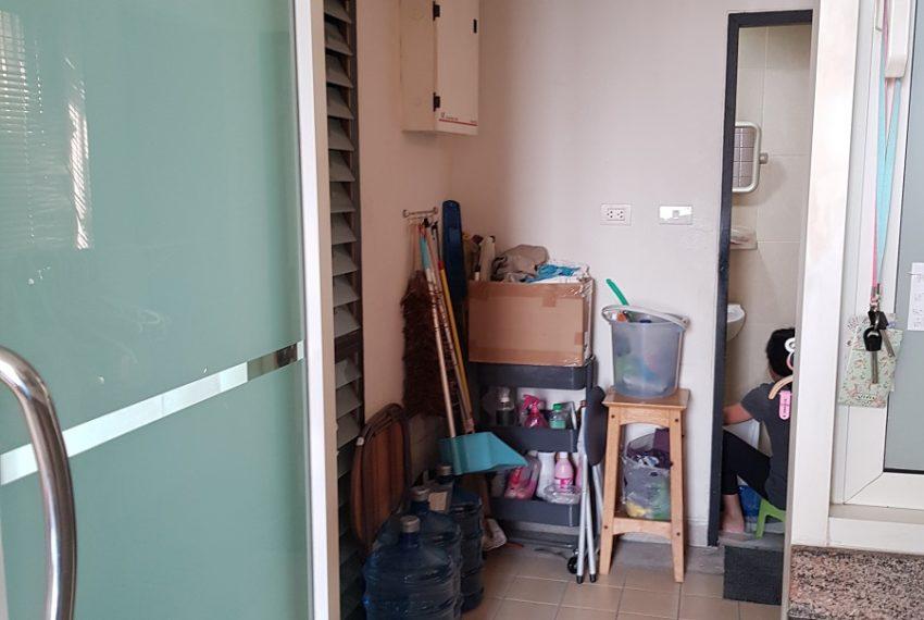 Wilshire Sukhumvit 22 Penthouse Diplex Sales - maid room