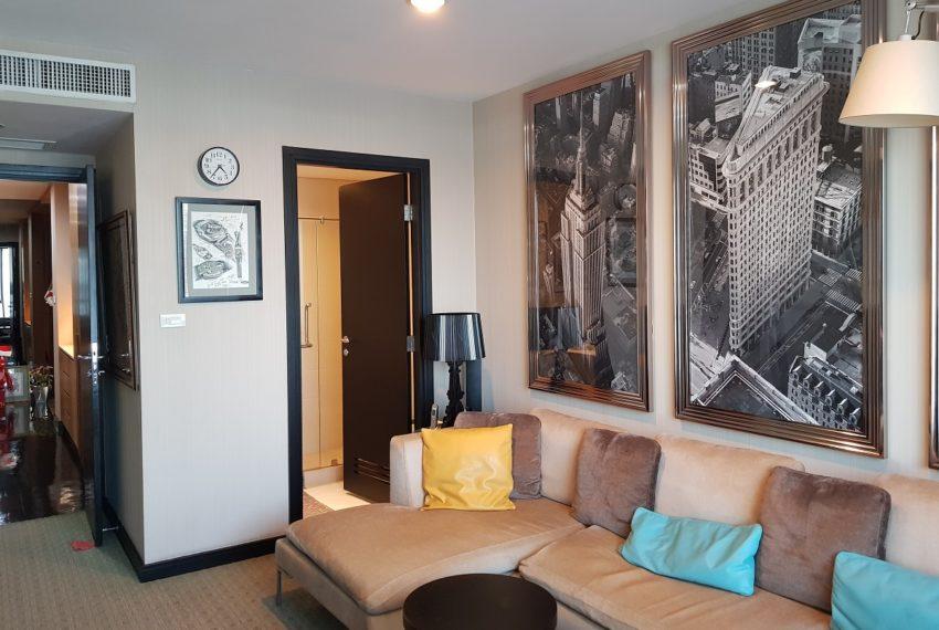 Wilshire Sukhumvit 22 Penthouse Diplex Sales - study room