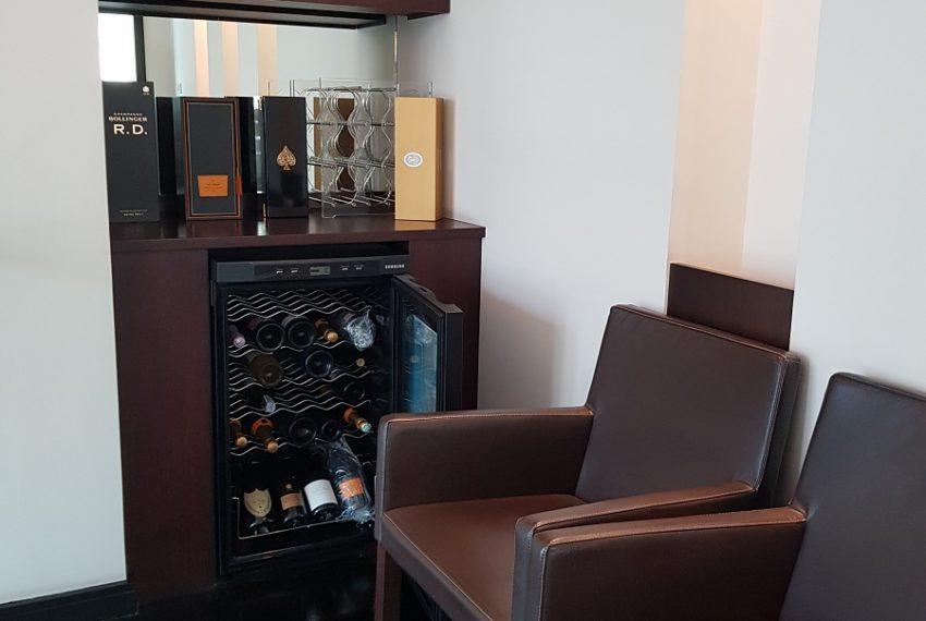 Wilshire Sukhumvit 22 Penthouse Diplex Sales - wine