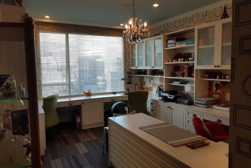 Wilshire Sukhumvit 22 Penthouse Diplex Sales - wroking room