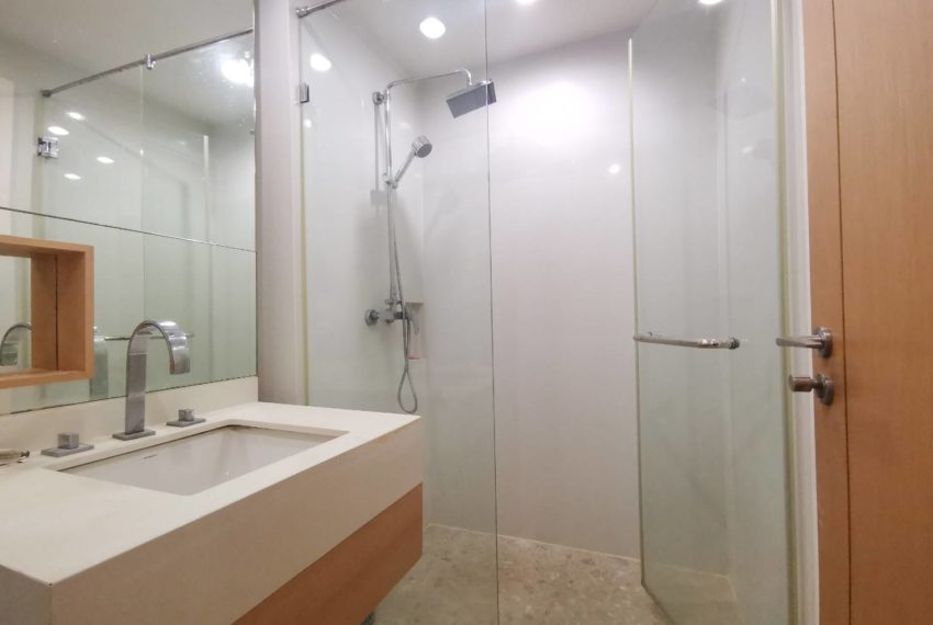 Wind 23- 1b1b - For Sale - Bathroom