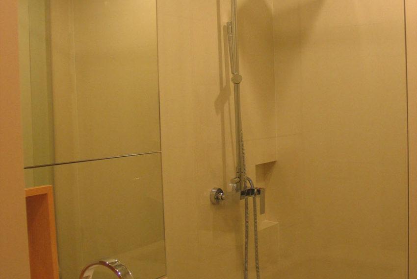 Wind Sukhumvit 23 1 bedroom rent - bathroom