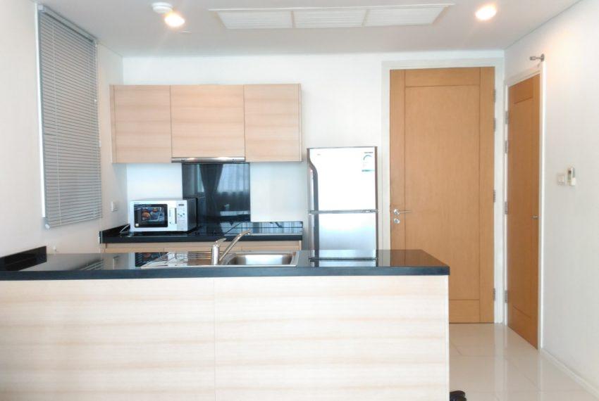 Wind Sukhumvit 23 1 bedroom rent - kitchen