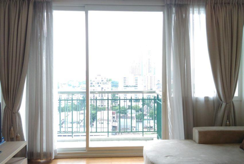 Wind Sukhumvit 23 1 bedroom rent - living