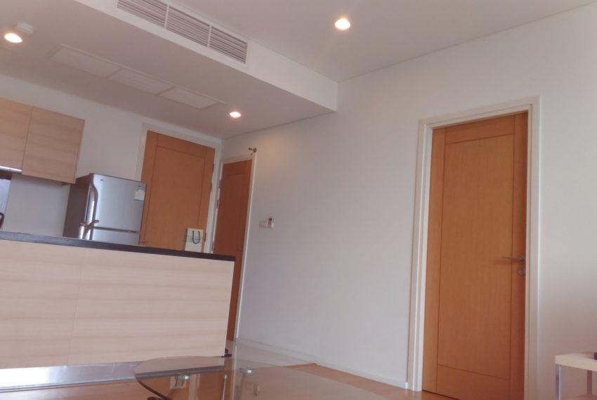 Wind Sukhumvit 23 1 bedroom rent - living area