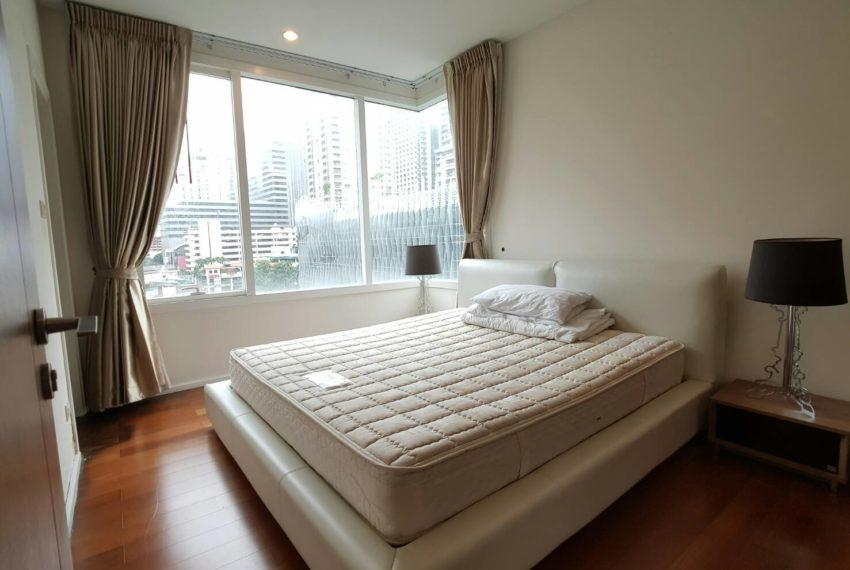Wind Sukhumvit 23- RENT-2-bedroom-Low-Floor-bed
