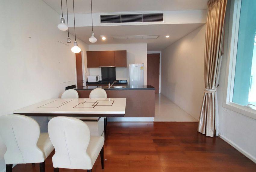 Wind Sukhumvit 23- RENT-2-bedroom-Low-Floor-kitchen