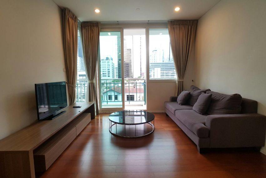 Wind Sukhumvit 23- RENT-2-bedroom-Low-Floor-living-area