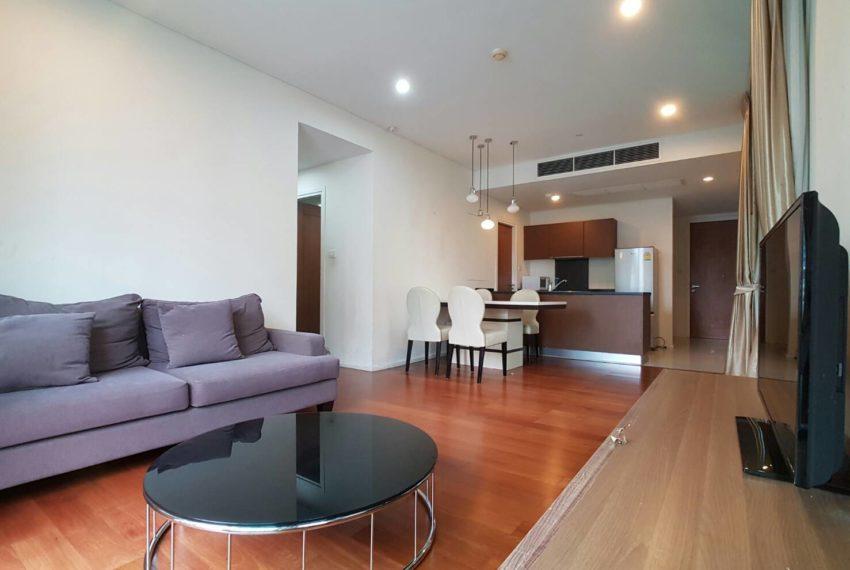 Wind Sukhumvit 23- RENT-2-bedroom-Low-Floor-living-room
