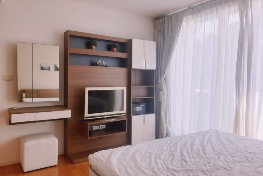 Wind Sukhumvit 23 - SALE - 3 bedroom - Mid Floor - bedroom 1